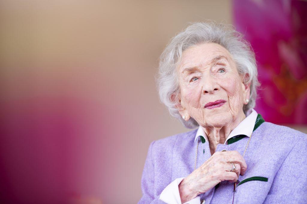 Gertraud Gruber – die Grande Dame der Ganzheitskosmetik wird 100